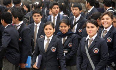 Estudiantes peruanos de colegios de alto rendimiento