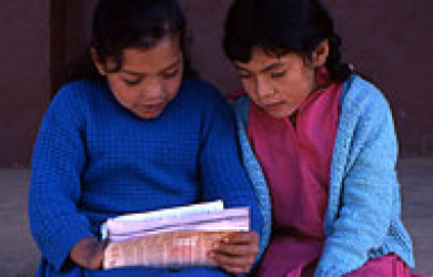 Two Girls Read - UNICEF Peru